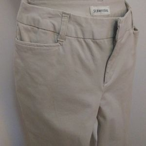 Size 8 khaki pants casual st John bay